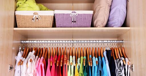 """""""Quem organiza sua casa também consegue organizar sua vida"""", afirma especialista em organização"""