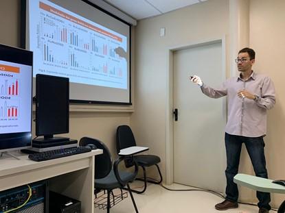 Conheça Valdir Gomes, cientista soteropolitano que busca melhorar a produção de mamona no semiárido baiano