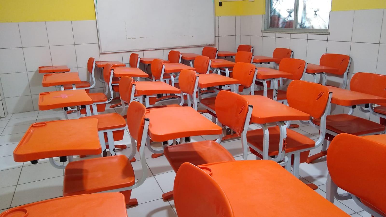 Volta às aulas na capital baiana gera insegurança para pais e professores