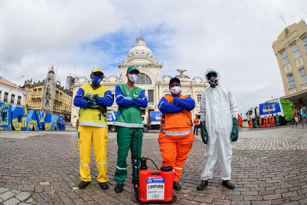 Heróis nas ruas: garis trabalham diariamente para garantir a limpeza urbana em Salvador