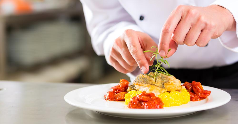 Projeto Qualifica Gastrô realiza Semana da Gastronomia e Promoção da Saúde da Unifacs