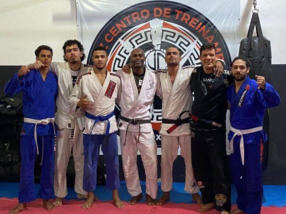Mais que lutar: artes marciais auxiliam no desenvolvimento da disciplina de jovens soteropolitanos